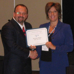Max Pigman Presents Realtor.com Award to Brenda O'Brien, CRS